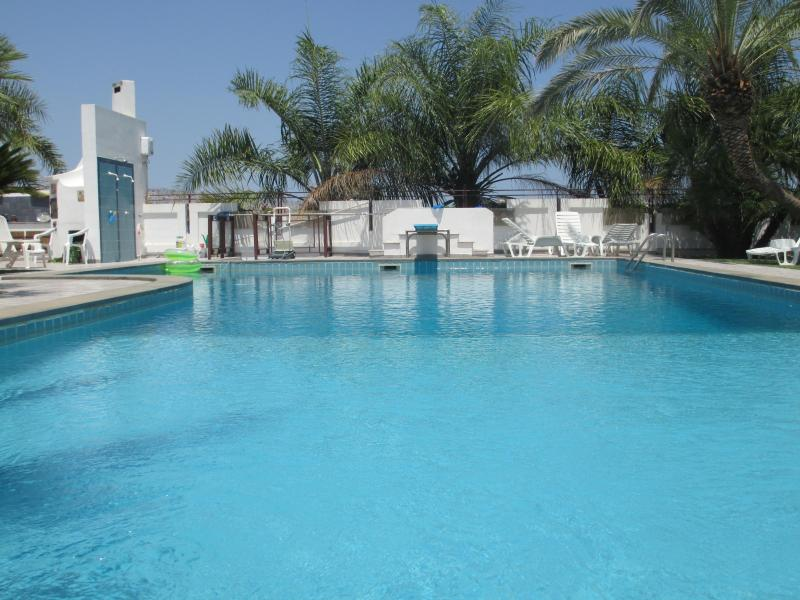 piscina; swimming pool; piscine; Schwimmbad